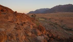 Abends leuchten die Felsen.