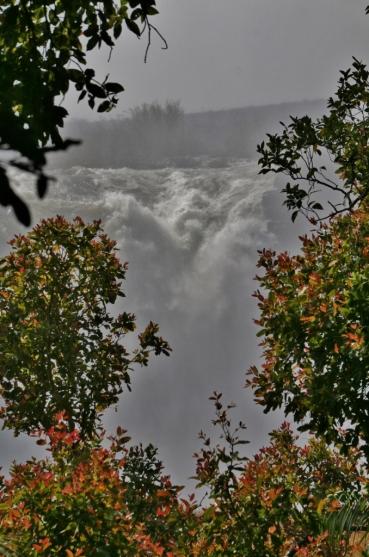 Es ist Hochwasser, viel Gischt, keine optimale Sicht, aber dennoch sehr schön.