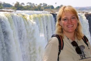 Die Victoria Falls haben viele kleinere und größere Wasserfälle.