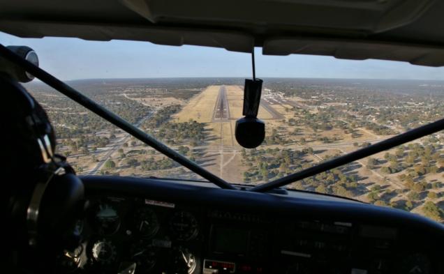 Bald wieder zurück von einem recht schwankenden Flug über das Okavango Delta ;-)