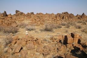"""Der """"Giant's Playground"""" - man fragt sich schon, wie das mit dem Aufstapeln der Felsblöcke wohl vor sich gegangen ist (bzw. ist es eben lustig, dass die Felsformationen so von der Erosion plus Frostsprengung entstehen können)."""