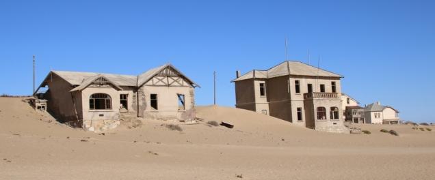 Die Wüste holt sich ganz langsam das Örtchen.