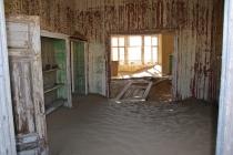 Sand in den Häusern.