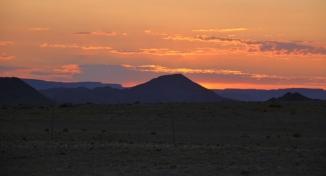 Früh müssen wir los - die Dünen von Sossusvlei sind morgens am schönsten.