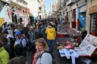 Straßenmarkt in San Telmo mit viel Antik-Gedöns und Jazzmusik.