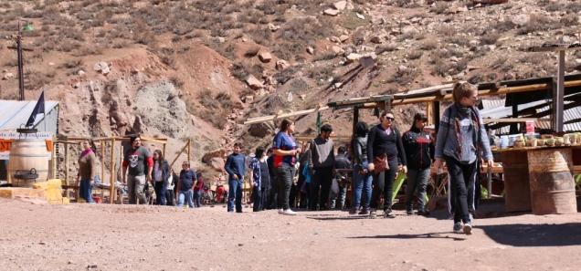 Kleiner Markt am Puente del Inca. Touristen-Kram.
