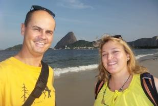 """Zum ersten Mal am Strand in Rio - am """"Flamengo Beach"""", mit Blick auf den Zuckerhut."""