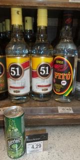 Man vergleiche den Preis von Cachaca (~1,65€ je Liter-Flasche) und Perrier (~1,05€ je Dose)...