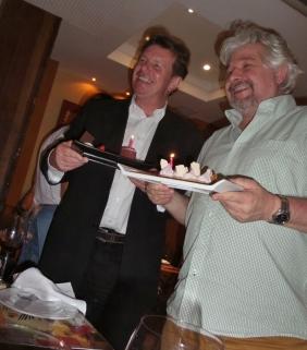 Geburtstag! Arnold und Jürgen haben am selben Tag Geburtstag - und natürlich wird das gefeiert!