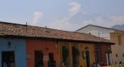 """Antigua, selbst wirklich sehr schön - und gut bewacht vom """"Agua"""", """"Acatenango"""" und dem aktiven """"Fuego"""""""