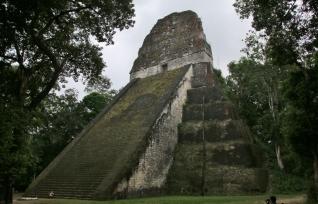 Maya Pyramide in Tikal