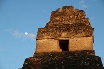 sieht toll aus - vor 2.000 Jahren musste man froh sein, wenn man nicht da oben hin musste - denn da wurden fröhlich Menschen geopfert...