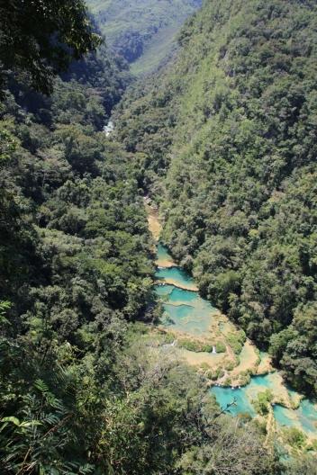 """Semuc Champey, das ist eine Anordnung von natürlichen """"Pools"""" im Rio Cahabòn"""