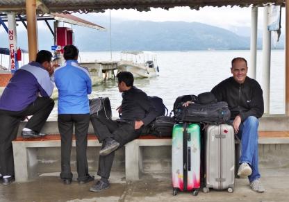Warten auf unser Boot