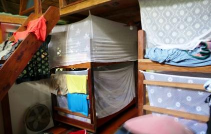 So sieht unser Häuslein von innen aus - moskitosicher...