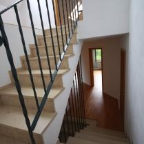 Treppenaufgang 1. OG zum Dach